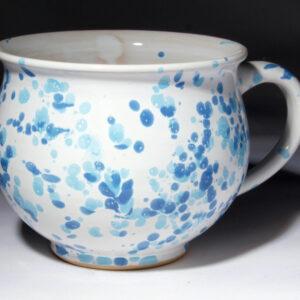 Potschamperl weiß glasiert mit zweifarbig blauen Sprenkeln